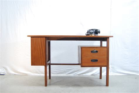 bureau vintage design jaren 60 vintage teakhouten design bureau teak desk de