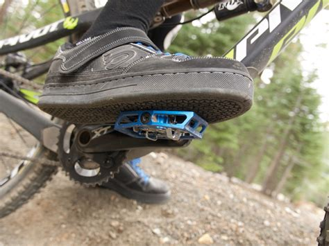 how to choose the best clipless shoes for mountain biking