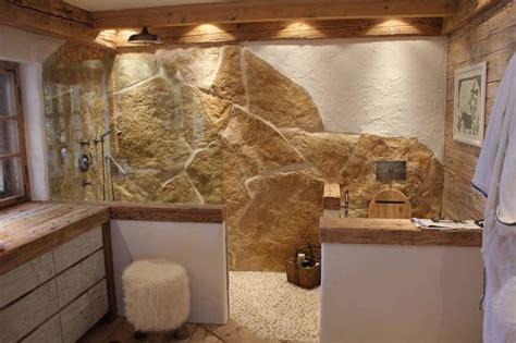 badezimmer mit naturstein rustikales badezimmer mit naturstein und altholz bad