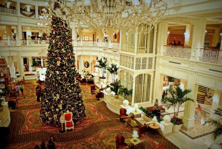 grand floridian christmas jigsaw puzzle