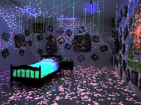 glow in the bedroom ideas pretty ultimate blacklight room inspiration