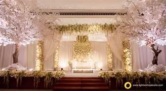 contrast but beautiful wedding decoration lightworks