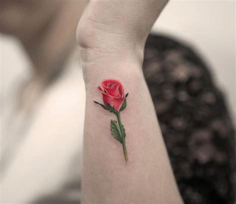banger tattoo flor rosa por joice wang
