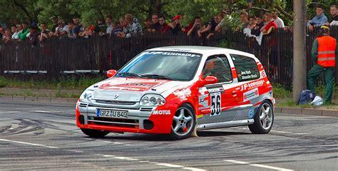 renault clio v6 rally car rally toscana renault rally event a bibbiena toomuchtuscany
