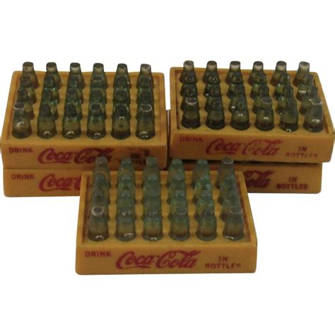 Pajangan Miniature Coca Cola miniature coca cola bottles in carriers from ssmooreantiques on ruby