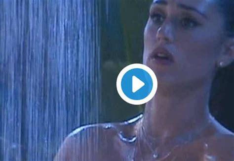 doccia nuda cecilia rodriguez nuda doccia grandefratello tuttouomini