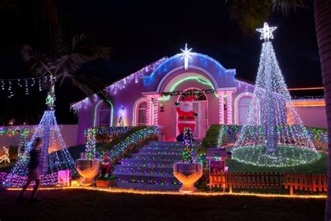 best holiday light displays best streets in brisbane for christmas lights displays