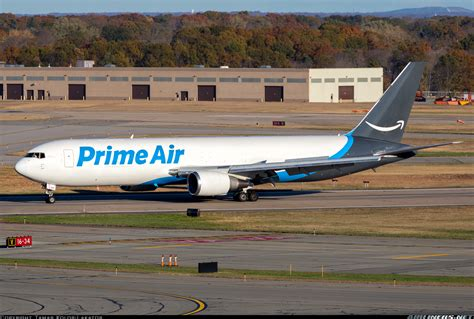 amazon prime air boeing 767 319 er bdsf amazon prime air aviation