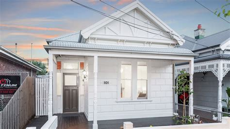 bathroom auctions melbourne melbourne auctions buyers flock from east to west to find