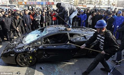 smashed lamborghini lamborghini smashed up technical problems daily