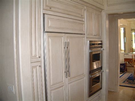 glaze finish kitchen cabinets kitchen cabinets with cream and coffee glazed finish