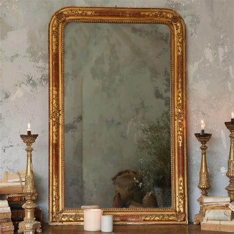 Cermin Antik ada setan di dalam cermin thayyiba