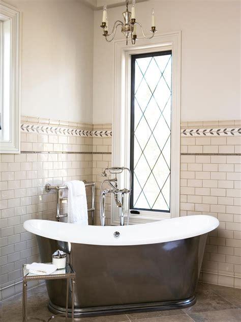 20 Ideas for Bathroom Wall Color   DIY Bathroom Ideas