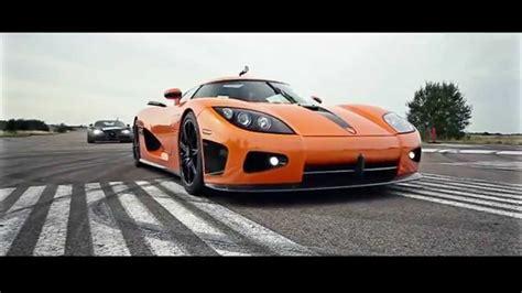 Koenigsegg Race Car by Koenigsegg Ccxr Beats Bugatti Veyron In Rolling