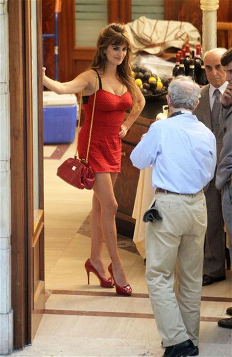 Penelope To In New Woody Allen by Woody Allen Penelope Photos Woody Allen And