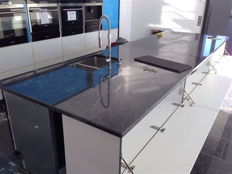 arbeitsplatte küche höhe kinderzimmergestaltung