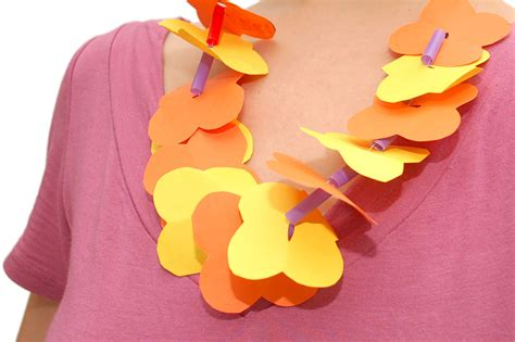 How To Make Hawaiian Flowers Out Of Paper - cranking out crafts 2 straw