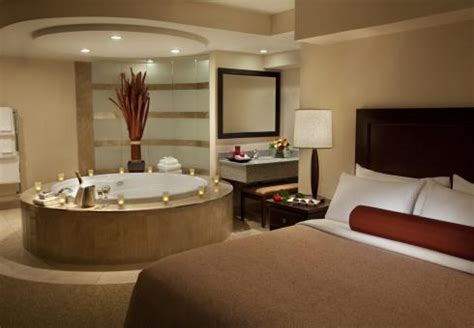 hotels that jacuzzis in the room travelodge hotel saskatoon saskatoon saskatchewan hotel travelodge canada