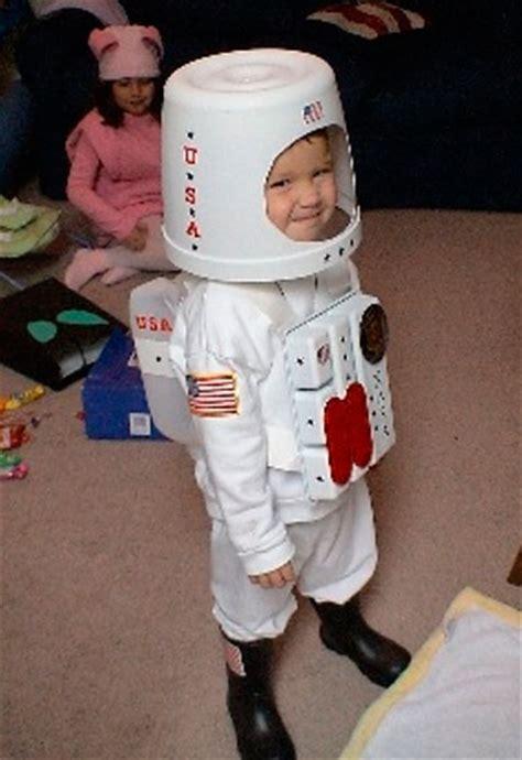 Astronauta De Material Reciclado | disfraces diy con materiales reciclados