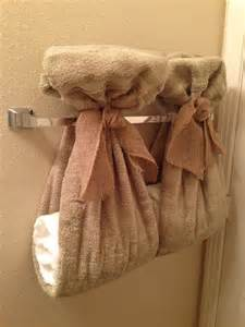 Bathroom Towel Hanging Ideas 1000 Ideas About Decorative Bathroom Towels On Pinterest