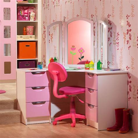 Starplan Fitted Wardrobes by 9 Best Images About Children S Bedrooms On For Built In Wardrobe And Pink Bedrooms