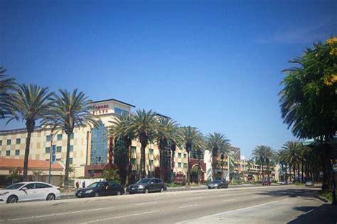 Anaheim Garden Walk by Anaheim Resort District Dining 2016 Travelcraft Journal