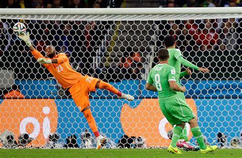 Sarung Tangan Penjaga Gawang 5 penjaga goal terbaik sempena piala dunia brazil 2014