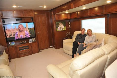 mobile home interior design uk hull fair showground families open the doors on their