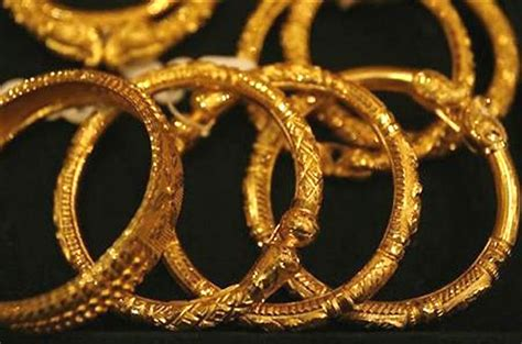 Can You Use A Credit Card To Buy Gift Cards - now you can t use credit card to buy gold jewellery on emis rediff com business
