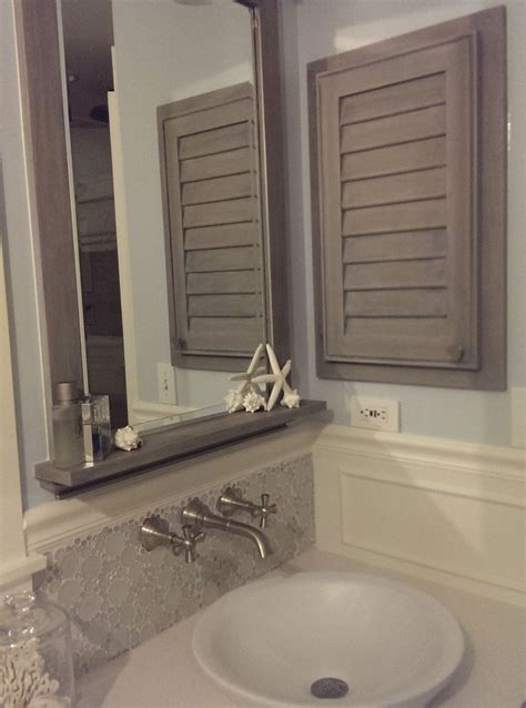 beach theme bathroom love the quot drift wood quot behind the 17 best images about bathroom on pinterest key west