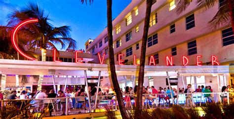 top miami bars lounges collins avenue hotels clubs