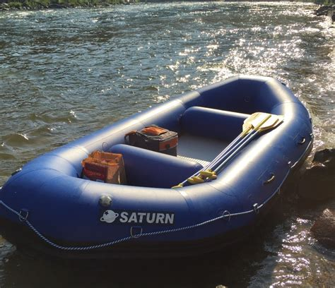 saturn rd390 13 self bailing raft
