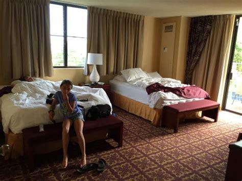 hawaii 2 bedroom suites 1 bedroom suite bedroom with 2 queen size beds