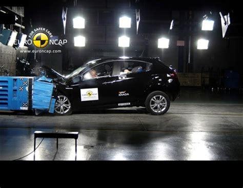 fiat 500 crash test results future chrysler chassis earns highest crash test results