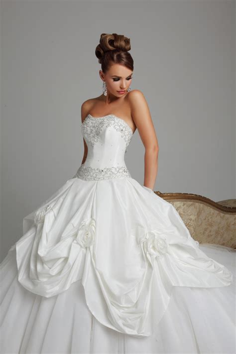 design dream wedding dress online anouska wedding dress from hollywood dreams hitched co uk