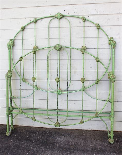 antique iron bed 25 best ideas about painted iron beds on pinterest iron bed frames starfish