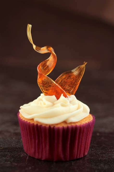 Sugar Syrup Cake Decorating by Cupcakes 103 14 Ways To Decorate Cupcakes Like A Pro