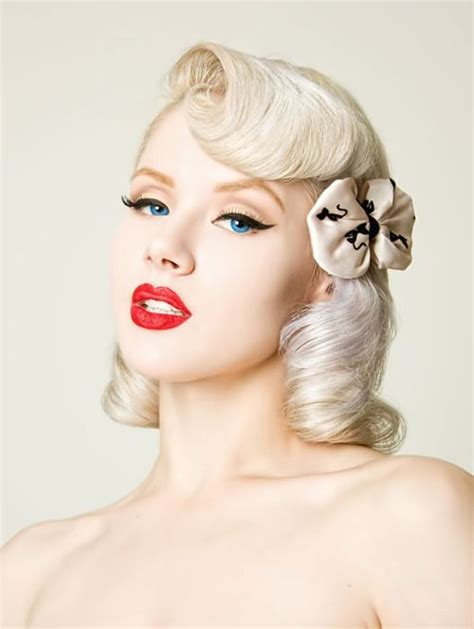 skunk haircuts of 50s and 60s cute pinup hairstyle short to mid length pinup