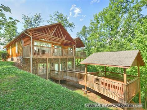 3 bedroom cabins in gatlinburg riversong ridge 3 bedroom luxury gatlinburg cabin