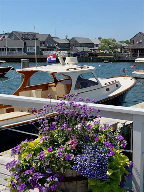nantucket friday favorites boathouse chic quintessence - Hinckley Picnic Boat Nantucket