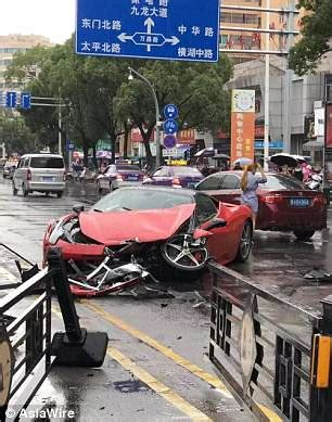 chinese woman destroys a ferrari 458 only minutes after