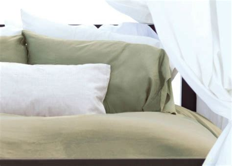 bamboo sheets vs cotton bamboo sheets vs egyptian cotton why you re going to be obsessed with bamboo