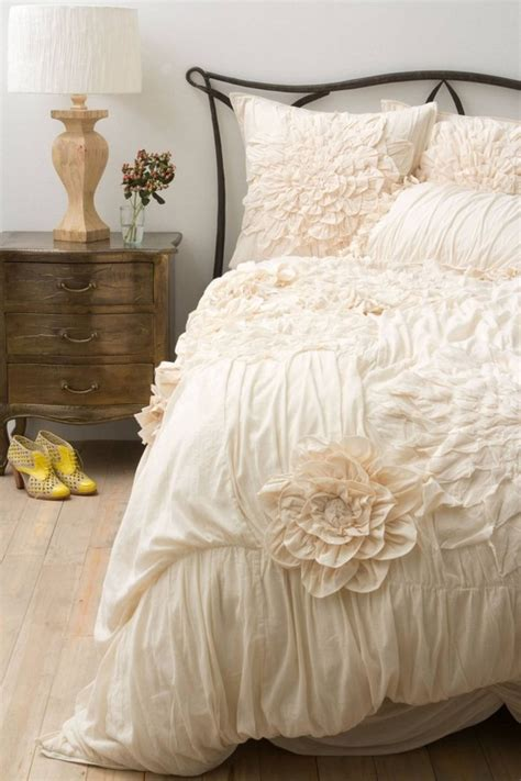 Shabby Chic Beds by Shabby Chic Bedding Sets A Atmosphere In A Stylish Bedroom