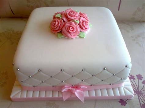 decorar bolo quadrado ideias para seu bolo de casamento simples quadrado f 225 cil