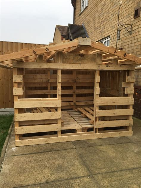 pallet playhouse play houses pallet playhouse