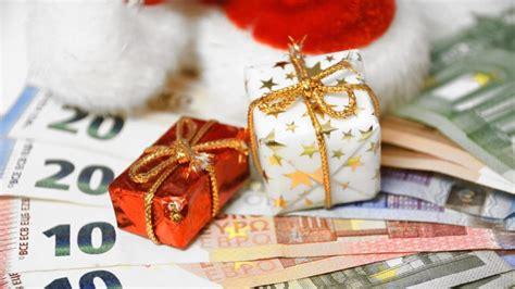 weihnachtsgeld wann bekommt das weihnachtsgeld hat jeder arbeitnehmer anspruch