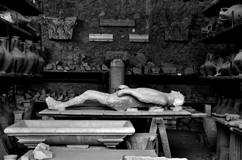 re understanding pompeii a history of our interpretation