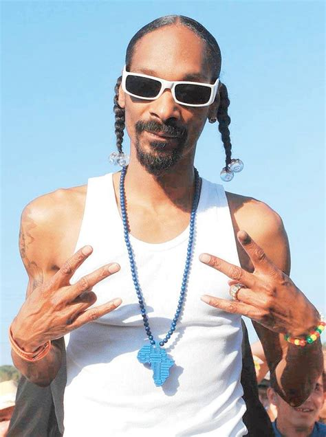 Snoop Dogg Banned From The Uk by Snoop Banned From The Uk For His Extensive Criminal Record