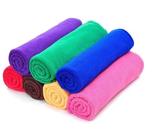 imagenes de toallas blancas formas de lavar tus toallas de microfibra