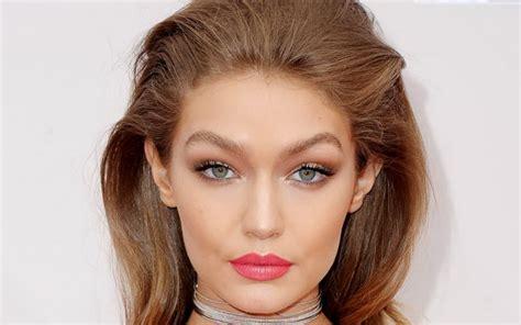Lipstik Warna Coklat Kopi simak inspirasi warna lipstik untuk natal okezone lifestyle